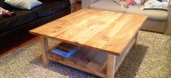 Coffee table - Pine