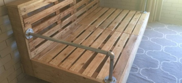 rustic pallet day bed